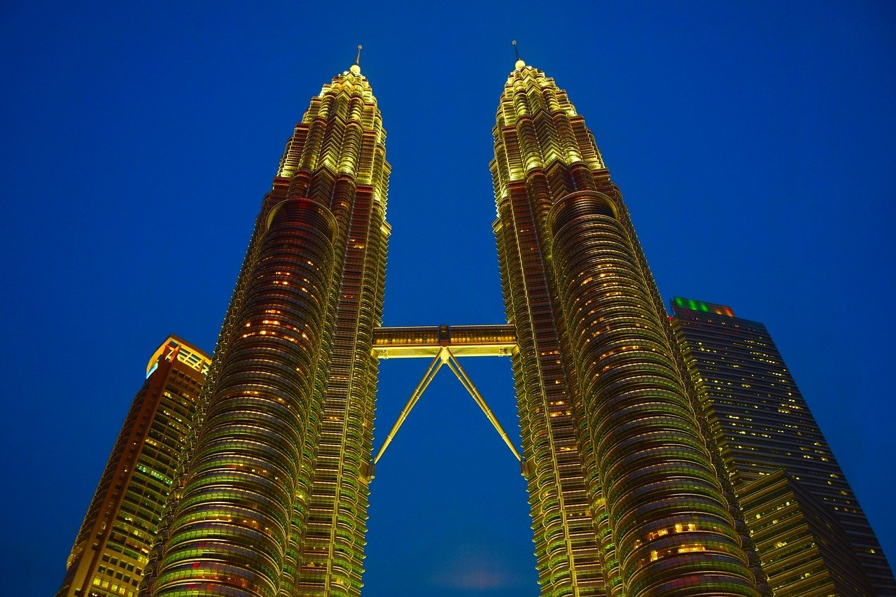 twin tower, twin, peter kr avengers tower